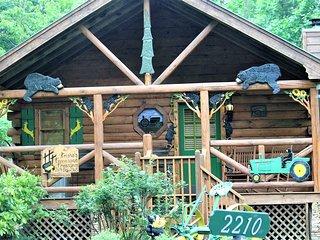 John Deere 2210 Hidden Mountain Cabin ~ RA163447