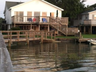 Deep Water - 1 Summer Week Left! July 22-29-Folly River Access + Beach Access!