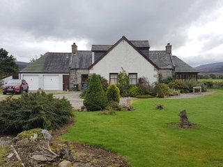 BYNACKBEG LODGE-NETHY BRIDGE  PH25 3DY