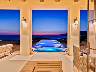 Malibu Beach Luxury Estate-Once in a Lifetime Property,No Detail Overlooked!