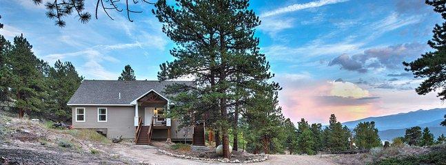 La vie est meilleure dans cette maison de vacances de 3 chambres au bord du lac à Twin Lakes!