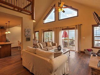 Gorgeous Twin Lakes Home w/ Deck Overlooking Mtns!