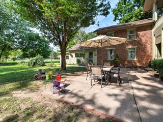 NEW! 1BR Milesburg Cottage - Mins from Penn State!