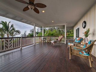 NEW! 2BR Captain Cook Home w/ Lanai & Ocean Views!