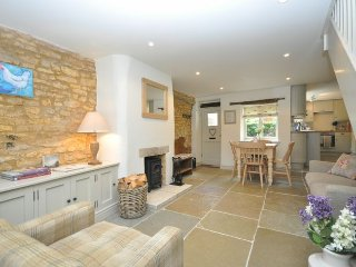 28292 Cottage in Bourton-on-th