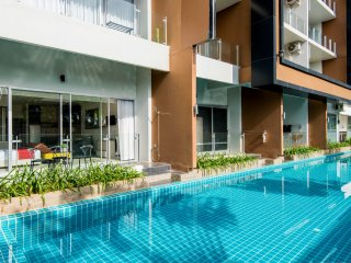 Pool Access Studio Karon by CHATTHA