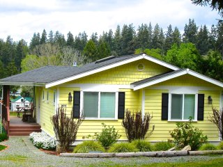 208 - Mutiny Bay Cottage ~ RA165455