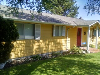 225 - 6th Street, Langley Vacation House ~ RA165458