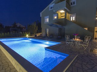 NEW VILLA MARIGOLD IN ZADAR CENTER