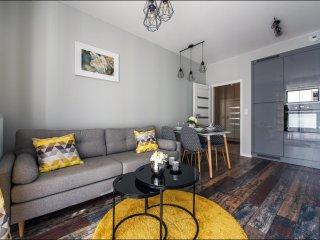 1 BR Apartment CYBERNETYKI 5