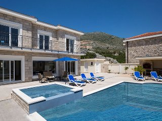 Luxury Villa Pavle with private pool / jet pool near Dubrovnik