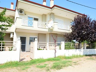 R124 Starling maisonette in Paralia Dionysiou.