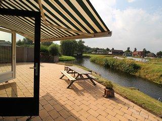 Holidaypark Klein Giethoorn bungalow 12-05