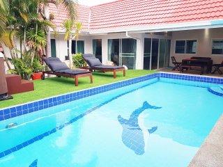 Big Pool Villa near walking street Pattaya