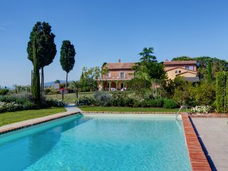 Amazing villa in Tuscany with pool and jacuzzi for 10 person