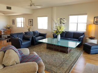 Beautiful, light-filled 3 bedroom -- Steps from the beach!