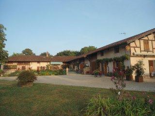 Domaine des Charmilles,maison de vacances, gite avec etang de peche