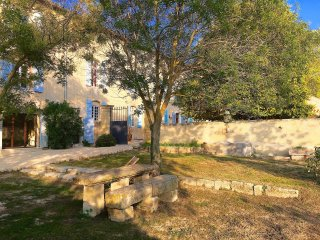 Near Aix-en-Provence, 7 Bedroom Bastide with Pool in Provence's Luberon, Sleeps