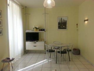 Appartement climatise, lumineux, confortable a 2 pas du port de Nice - 4 pers