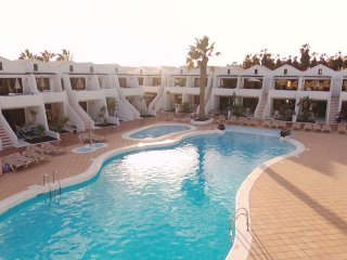 YOUR SUMMER IN THE SUNSHINE!!AIR CONDITIONING,WIFI FREE, TV SAT. 4* RESORT