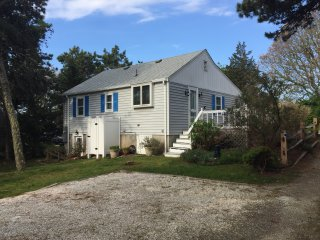 #605: Your family will love our quaint Cape home just mins from Hardings Beach!