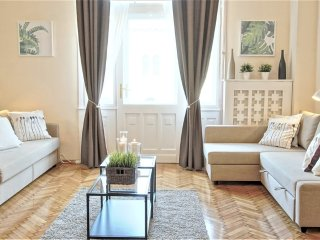 Parliament view Luxury Apartment in City Center - A19