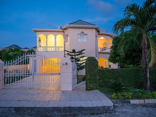 Beautiful Ocean View Villa W|Pool, Beach in a Gated Community|  Nr Attractions