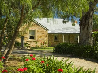 Unwind * Port Willunga Cottages 'Evelyn'