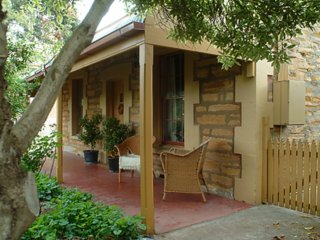 Unwind * Port Willunga Cottage 'Citrus'