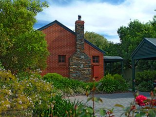 Unwind * Anchor Cottage - Port Willunga Cottages