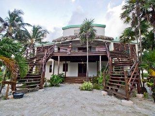 5 Bedrooms - 5-1/2 Baths - Luxury Villa with Breathtaking Views of the Ocean