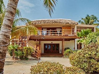 Barefoot luxury with stunning views of the Carribean