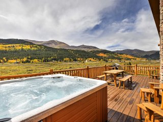 Alma Cabin w/ Deck, Private Hot Tub & Mtn Views!