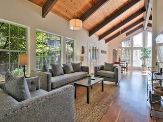 DVB: Upscale 4 bdrm / 3 ba for corporate travelers