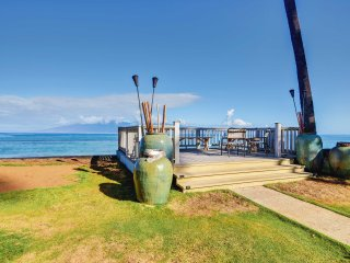 NEW! 2BR Lahaina Condo w/ Pool - Steps from Beach!