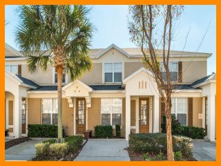Windsor Hills Resort 160 - Superior townhouse with private pool near Disney