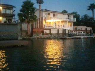 Margarita Villa Waterfront Paradise with Deep Water Dock in Discovery Bay