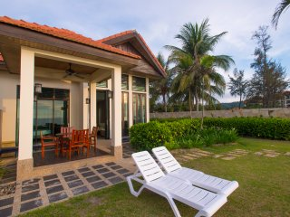 Sabah Beach Villas & Suites (Sea View Pool Villas)