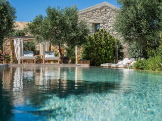 Villa Dimi with heated Swimming Pool , Near Sandy Beach  Kalathas Chania Crete