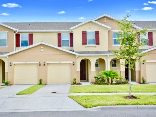 5106 Family Friendly 4 Bedroom close to Disney in Orlando Area
