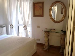 Lovely Apartment in Rome<div class='tavr_certificate_of_excellence' style='heigh