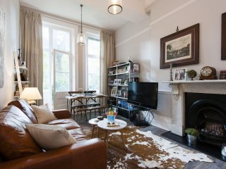 Warwick Road Residence apartment in Kensington & Chelsea with WiFi.