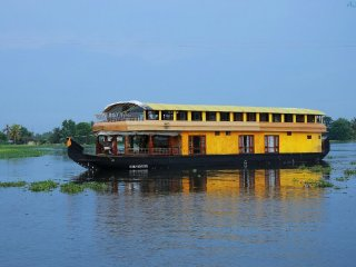 6 Bedroom Deluxe Houseboat