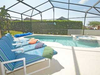 345OBC. 4 Bedroom 3 Bath Villa with a South Facing Pool and Spa