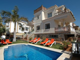 Villa at only 4 minutes by car from Burriana beach! 052