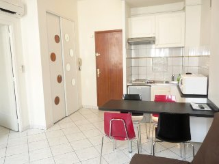 Sofia Lacomb, Lovely 1 Bedroom Flat in Central Cannes