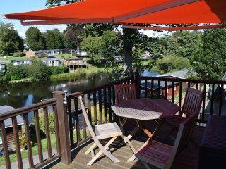 Sundowner-Glan Gwna/Caethro/ chalet-2 bedroom- Snowdonia/ Zip World/ Anglesey