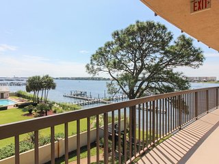 Serene seaside condo w/ shared pools, water & beach access