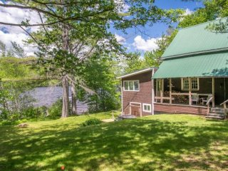 Dog-friendly lakefront cabin w/ sunset views  & firepit - private & near town!