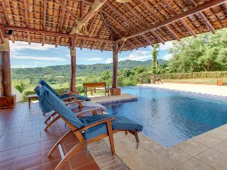 Spacious, elegant villa with shared pool plus breathtaking bay and ocean views